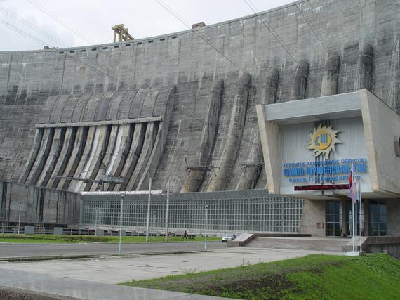 RusHydro announces construction completition of the onshore spillway of Sayano-Shushenskaya HPP